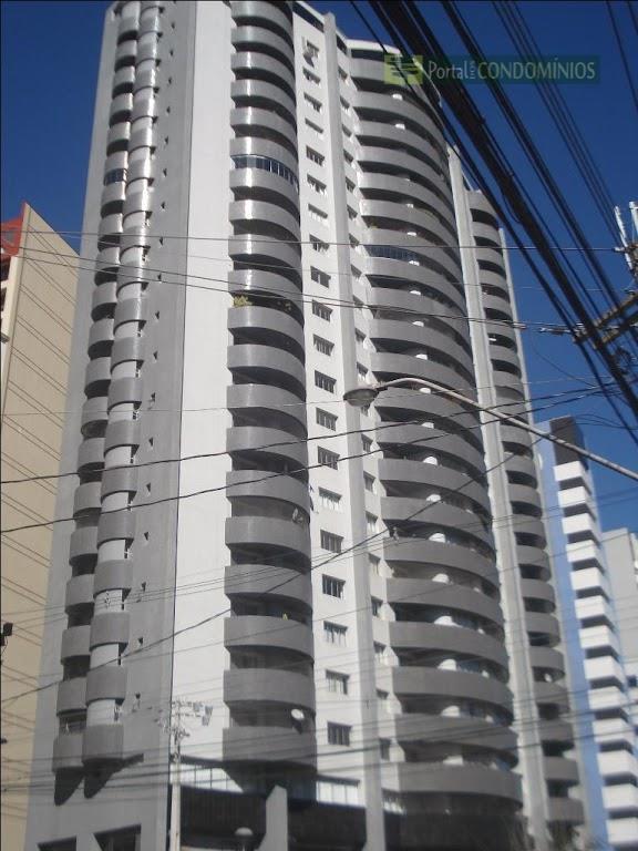 Apartamento residencial à venda, Centro, Curitiba - AP0407.