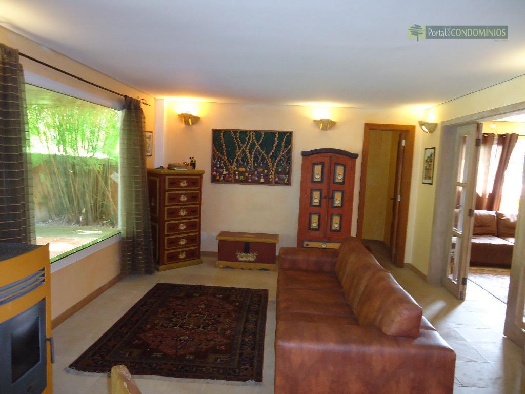 casa em condomínio - vista alegre. condomínio em frente ao parque tingui, com salão de festas...