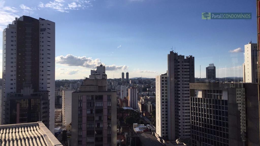 Apartamento residencial à venda, Centro, Curitiba - AP0502.