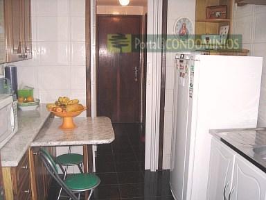 Apartamento residencial à venda, Centro, Curitiba - AP0004.