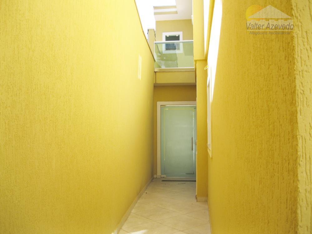 sobrado novo jardim regina !!! 137 m², 3 suítes com sacadas piso laminado , sala ampla...