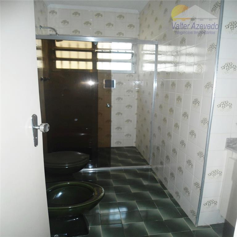 sobrado santa terezinha !!! 280 m² , 3 dormitórios amplos, sendo 1 suite com sacada, todos...
