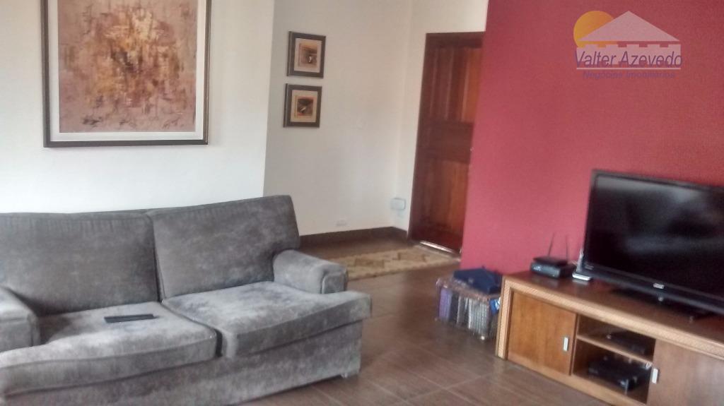 sobrado água fria ...excelente localização,reformado, amplas acomodações com 03 suítes, 05 banheiros, sala de estar, sala...