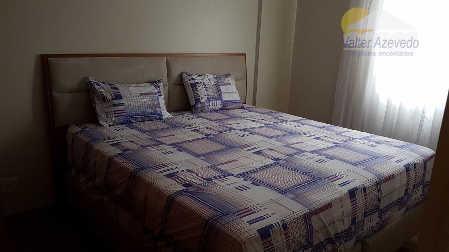 excelente local, com ambientes bem amplos sendo 2 dormitórios grandes com armários planejados, e piso laminado.cozinha...