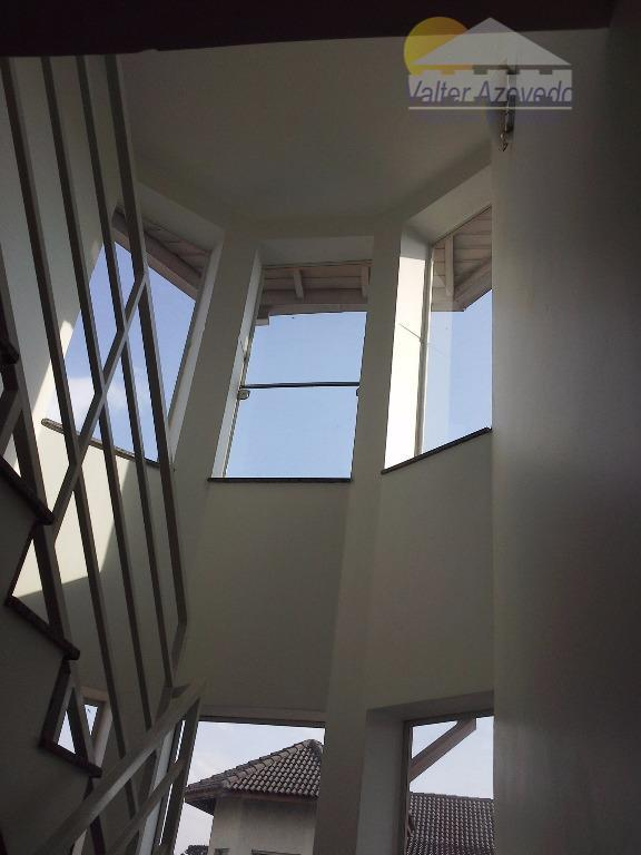 condomínio fechado horto florestal !!!alto padrão, com 04 suítes sendo 01 master com hidromassagem, ampla varanda,escritório,...