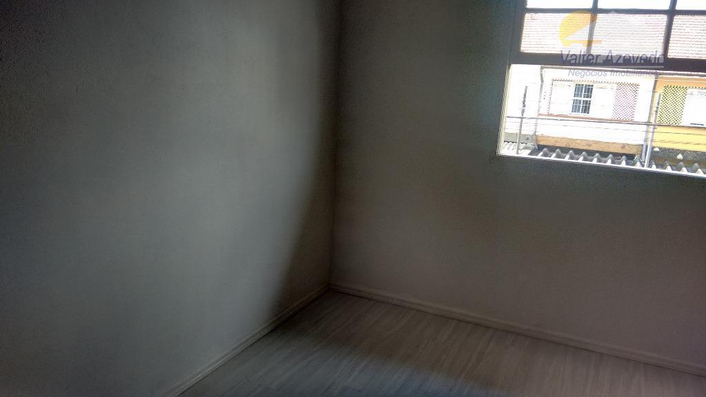 ótimo sobrado reformado, com 02 dormitórios, 01 banheiro, sala, cozinha, 01 vaga .ótima localização!!!