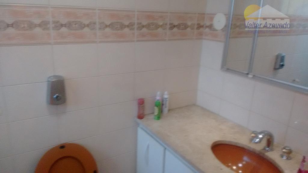 ótimo apartamento, bem localizado, com 03 dormitórios sendo 01 suite, com armários nos dormitórios e cozinha,...