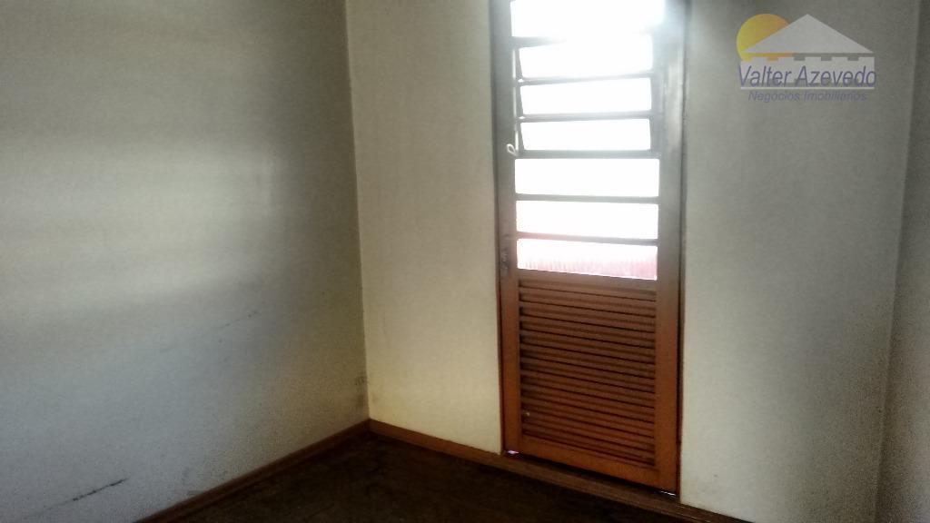 salas comerciais !!! 8 salas amplas !!! com sacada e 2 banheiros, sem vaga de garagem.