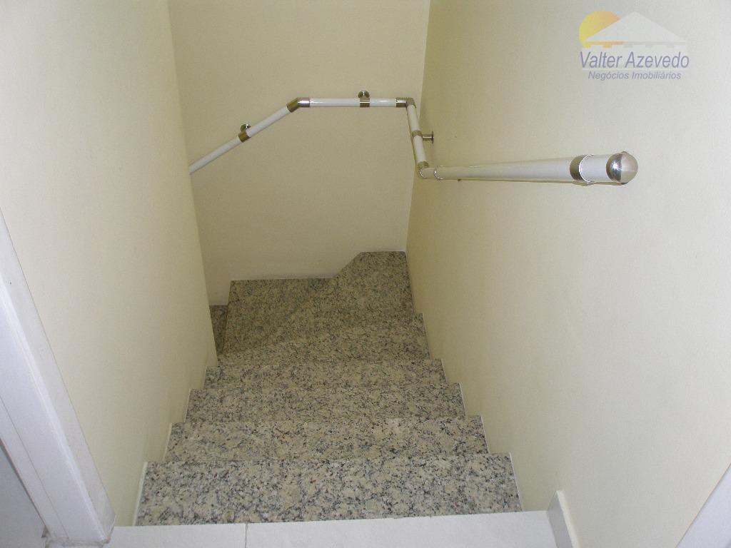 sobrado em condomínio fechado ! chora menino ! 105 metros quadrados, 03 dormitórios, 1 suite, sala...