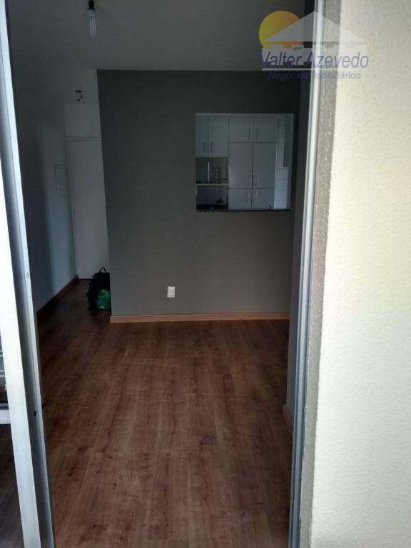 apartamento vila amália ! reformado ! armarios, carpete de madeira, 02 dormitórios, sala 02 ambientes, sacada,...