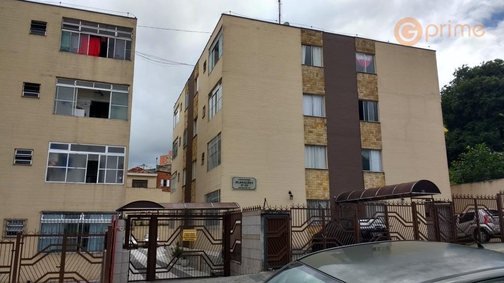 lindo apartamento térreo cocaiaapto de 50 m², 2 dormts e 1 vaga. todo reformado, móveis planejados,...