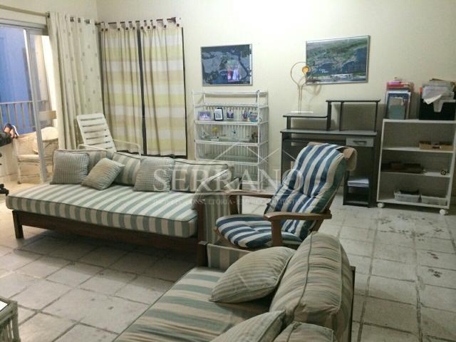 Apartamento na praia de Pitangueiras, no Guarujá/SP.