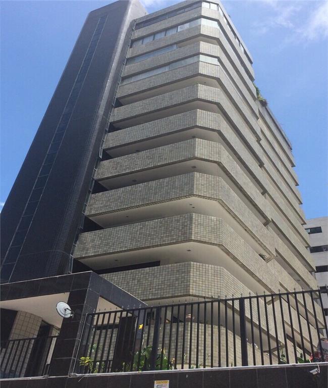 Ótimo Apartamento no Meireles a duas quadras da Beira mar!