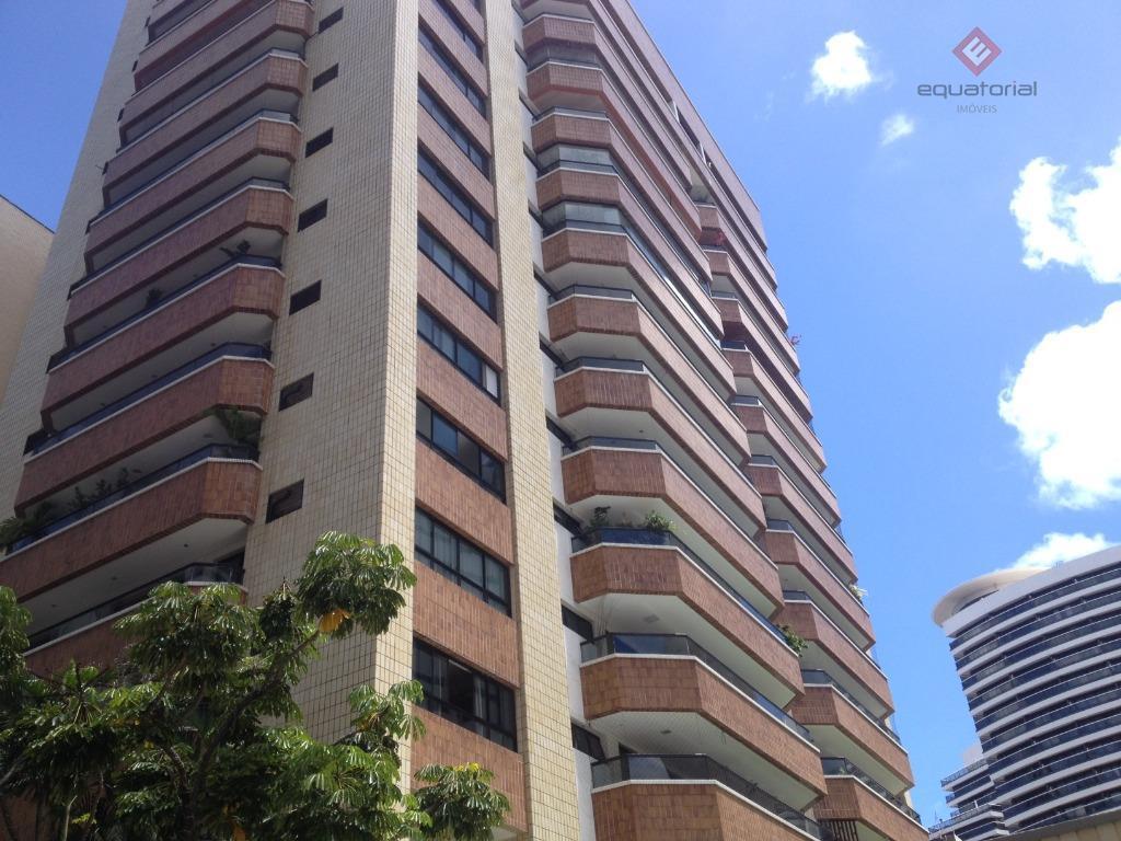 AP8899  Apartamento 324m²,04Suites,04Vagas no Meireles,