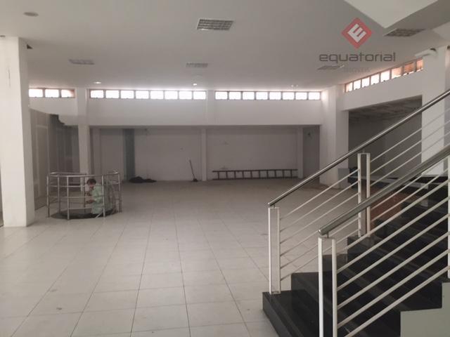 alugo prédio comercial/loja na av.washington soares, próximo ao shopping iguatemi, guararapes, com 2.683m² de área construída,...