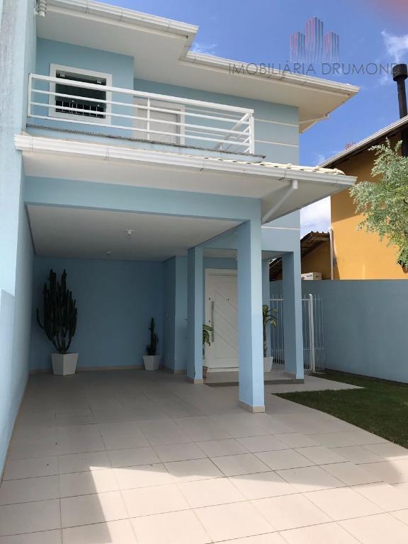Casa financiável em Floripa bairro Carianos, 3 dorm com suíte, 2 vagas