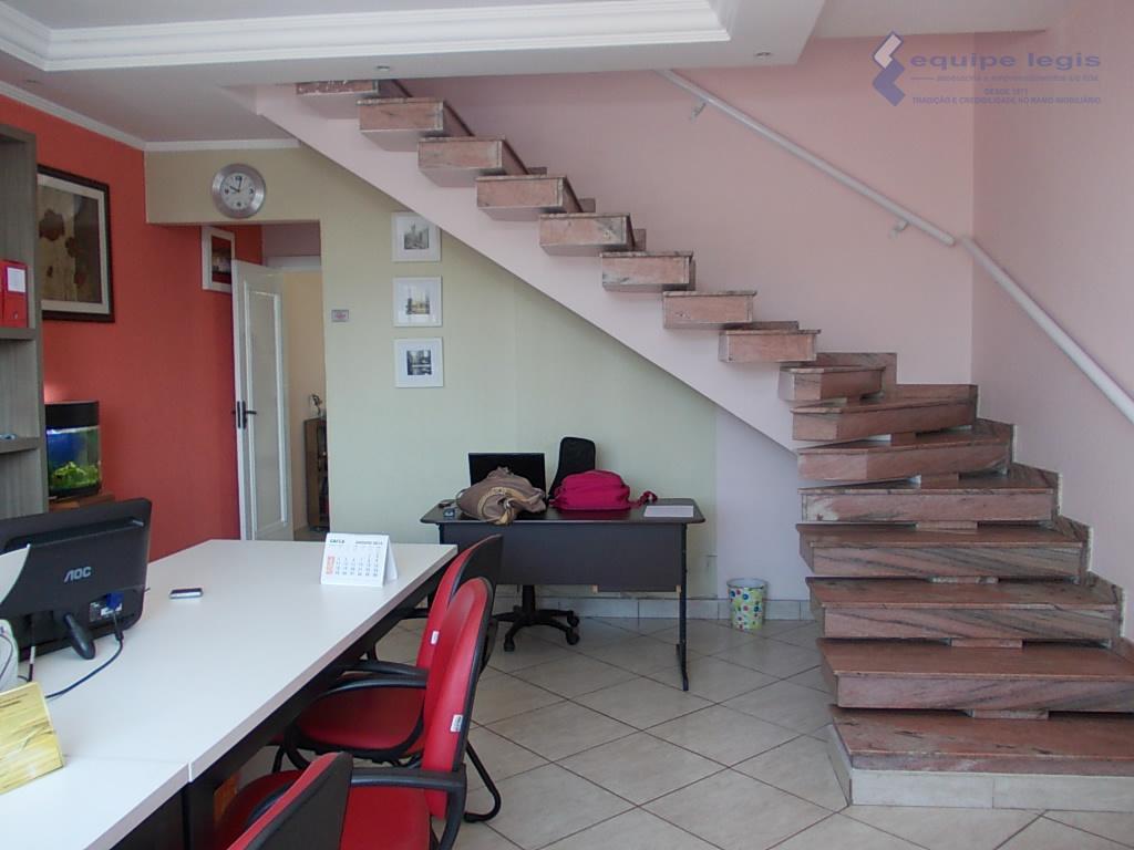 sobrado com excelente acabamento, materiais de primeira, 03 dormitórios planejados, sendo uma suíte, churrasqueira com espaço...