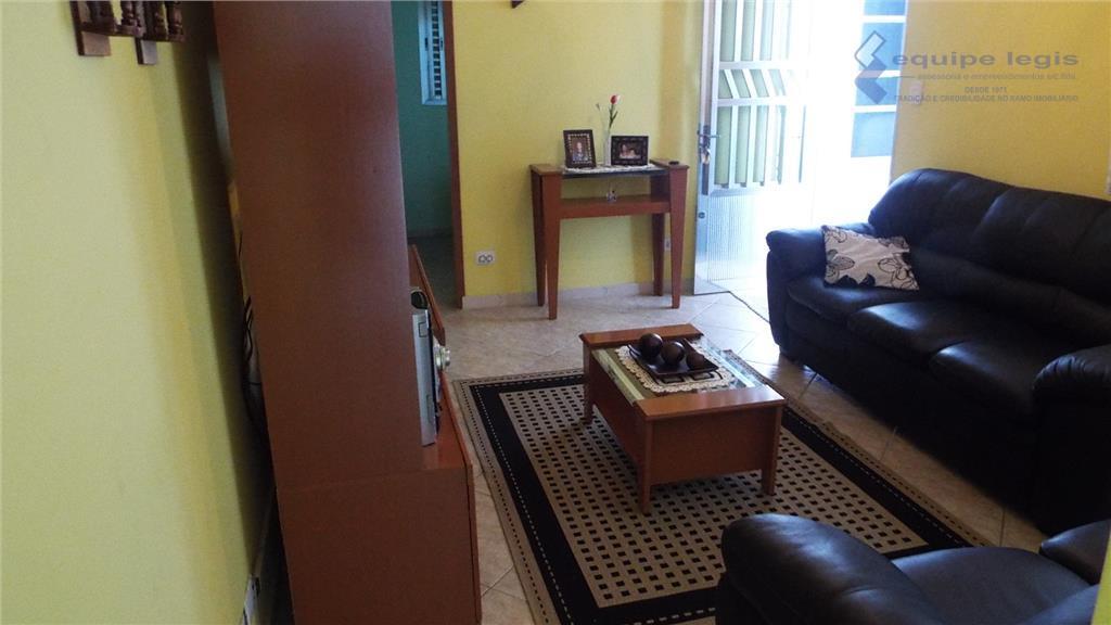 casa com 3 dormitórios (1 suite), sala, cozinha, banheiro, lavabo, área de serviço, quintal, churrasqueira, sala...