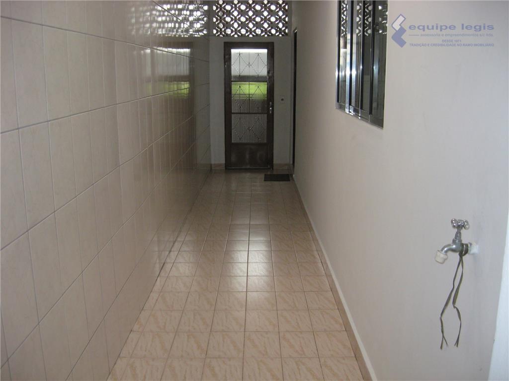 casa térrea com 2 dormitórios,sala,cozinha,banheiro,área de serviço,escritório, 2 vagas,proximo do metro itaquera, facil acesso ao centro,comercio,condução,e...