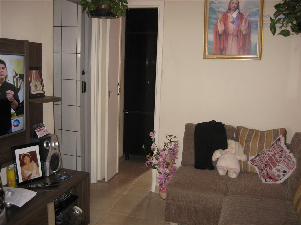 apartamento com 2 dormitórios, sala, cozinha, banheiro, área de serviço uma vaga,prédio em reforma,pode ser financiadodevido...