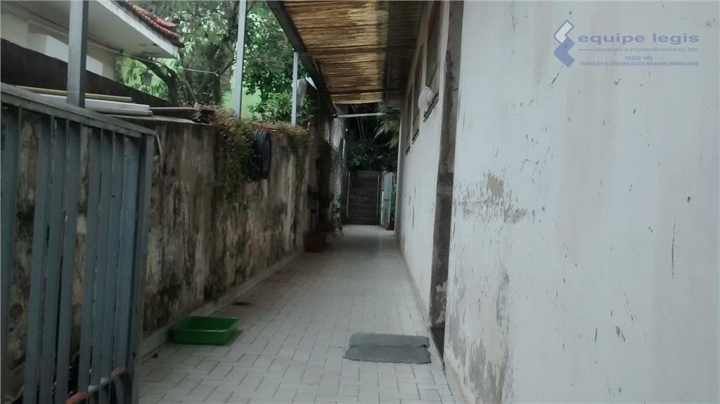 terreno residencial medindo 10 de testada por 63 de laterais (630 metros quadrados) numa área de...