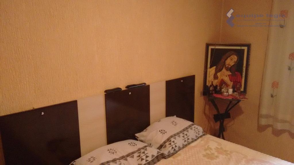 casa com 3 dormitórios, sendo 1 suíte, sala com 2 ambientes, copa, cozinha, quintal, área de...