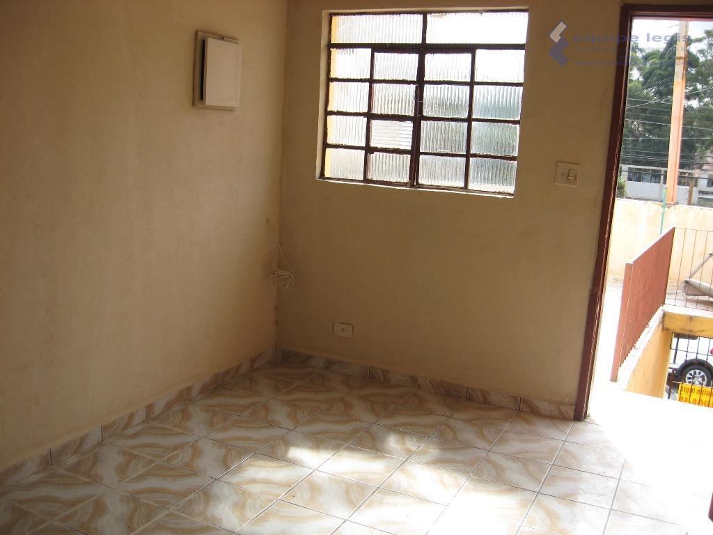 casa residencial com: 02 dormitórios, sala, cozinha, banheiro, lavanderia e área de serviço.//ponto de referencia: o...