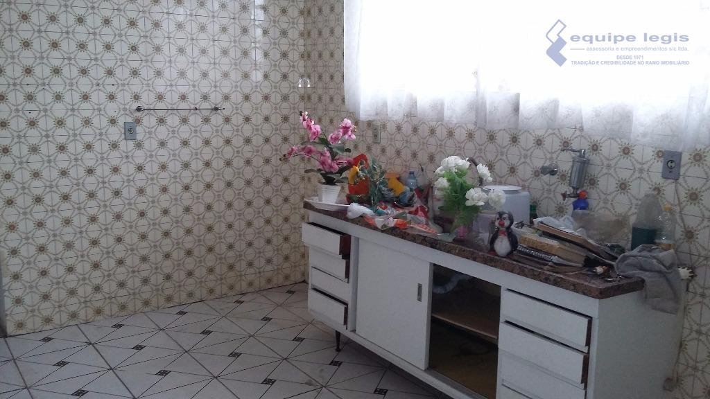 casa em ótima localização com 2 dormitórios, sala, cozinha, banheiro,área de serviço 1 vaga corredor lateral,+...