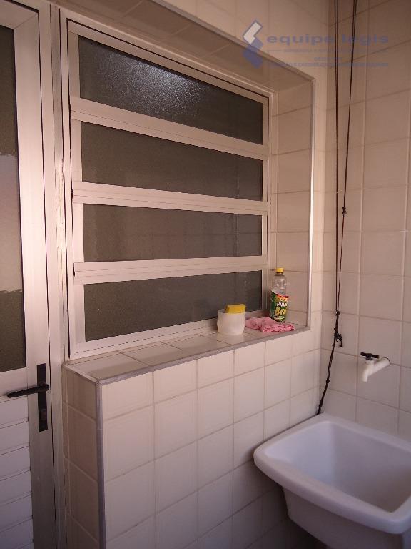 apartamento residencial com: 02 dormitórios, sala, cozinha, banheiro, lavanderia e 01 vaga na garagem.// ponto de...