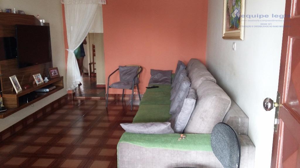 ótimo imóvel próximo ao centro de itaquera com, 3 dormitórios, sala, cozinha,banheiro, área de serviço, 1...