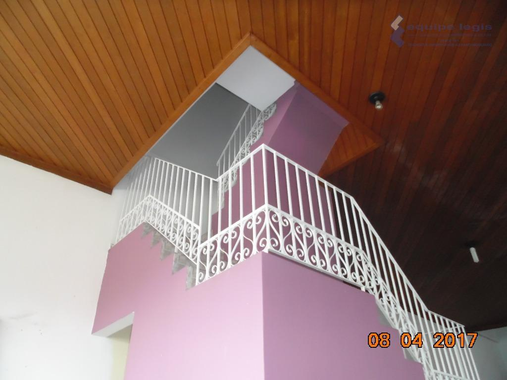casa comercial- vila carmosina, próximo ao centro de itaquera- com: 04 dormitórios sendo 01 com suíte...