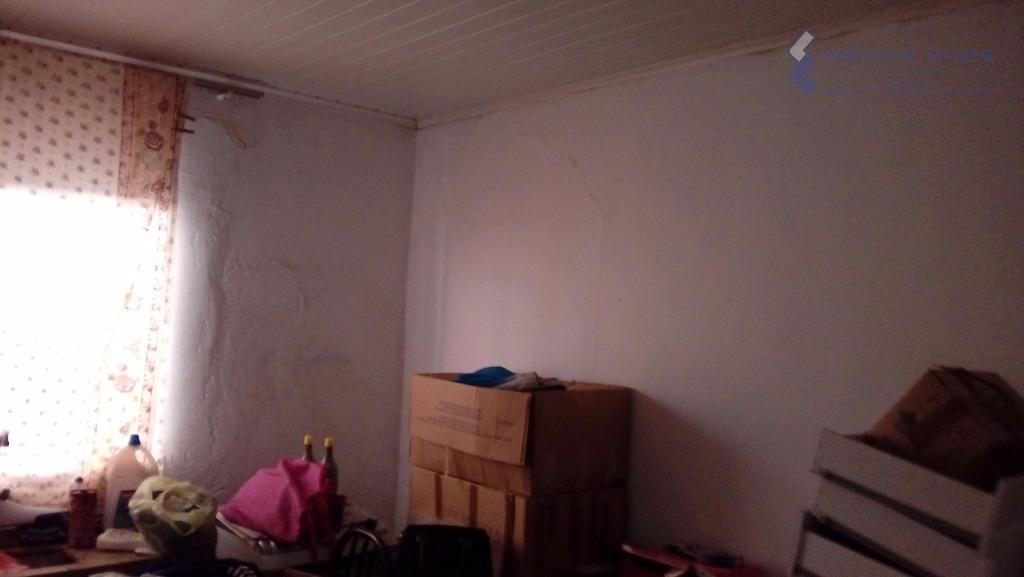sobrado com ponto comercial, 2 dormitórios, sala, cozinha, banheiro, área de serviço. casa nos fundos com...