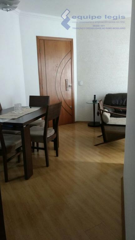 Apartamento residencial à venda, Vila Carmosina, São Paulo - AP0414.