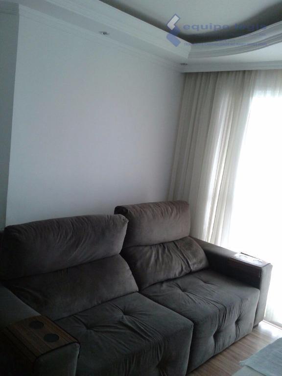 apartamento com 2 dormitórios, sala, cozinha, banheiro, área de serviço, 1 vaga de garagem, sacada, laminado...