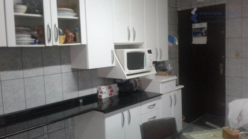 casa com 2 dormitórios,sala,cozinha,banheiro,área de serviço, 2 vagas + ediculanão pode ser financiadadevido a grande rotatividade...