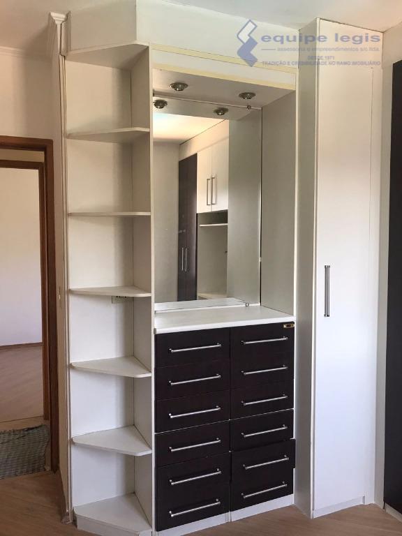 apartamento com 2 dormitórios, sala, cozinha, banheiro, área de serviço, sacada, laminado nos dormitórios e sala,...