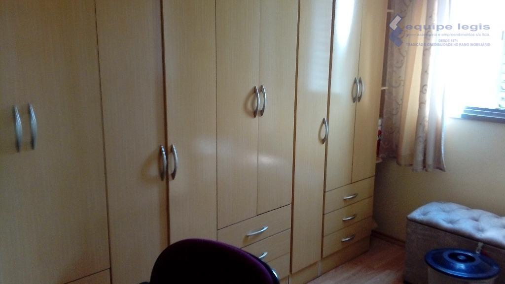 apartamento com 2 dormitórios,sendo um com armários, sala com mesa e quatro cadeiras, rack, cozinha com...