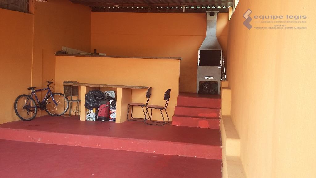 casa com 3 dormitórios,sala,cozinha,banheiro, área de serviço,2 vagas,portão automtico, churrasqueira,pode ser financiadodevido a grande rotatividade de...