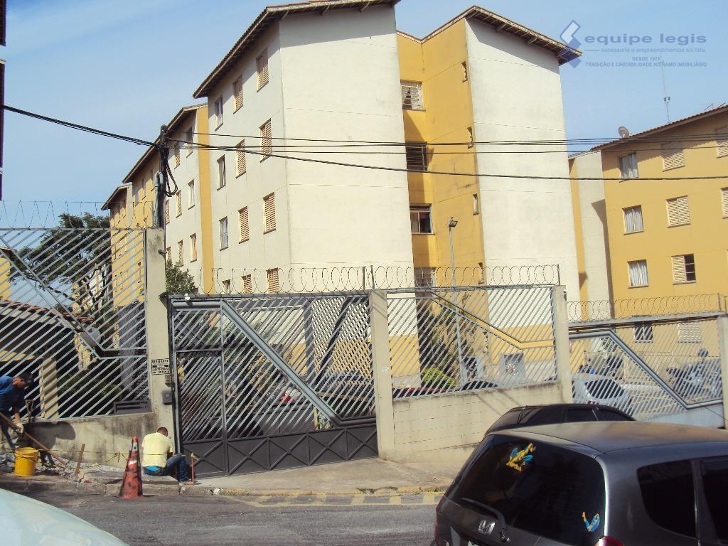 Apartamento residencial para locação, Jardim Redil, São Paulo.