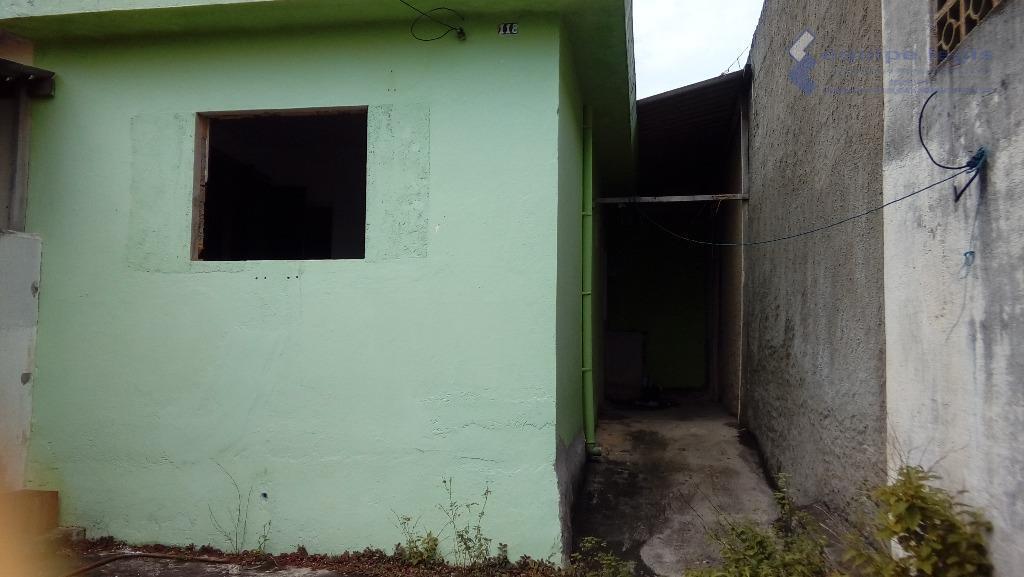 4 casas antigas, em terreno de 250 m2, todas com 1 dormitório, cozinha e banheiro. documentação...