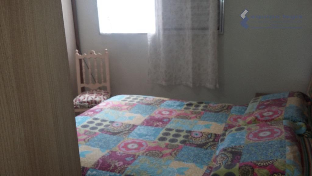 sobrado com 2 dormitórios sendo um planejado, sala, cozinha,2 banheiro,área de serviço, quintal,churrasqueira,1 vaga,fácil acesso ao...