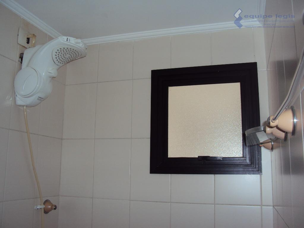 apartamento residencial com : 03 dormitórios sendo 1 com suite, sala, cozinha, banheiro, área de serviço...