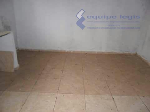 terreno com um comodo e banheiro,localizado a rua renato bonfiglio,271 jd.são dimas cidade de são pedro...