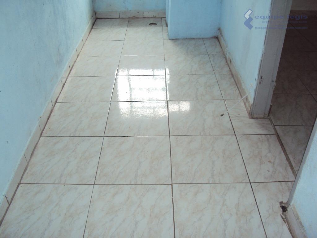 casa residencial com: 01 quarto, sala, cozinha, banheiro, lavanderia e garagem.// ponto de referência: o imóvel...