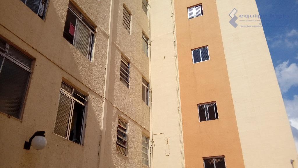 apartamento cohab ii, grande, com 2 dormitórios, sala, cozinha, banheiro, lavabo, área de serviço, 1 vaga...
