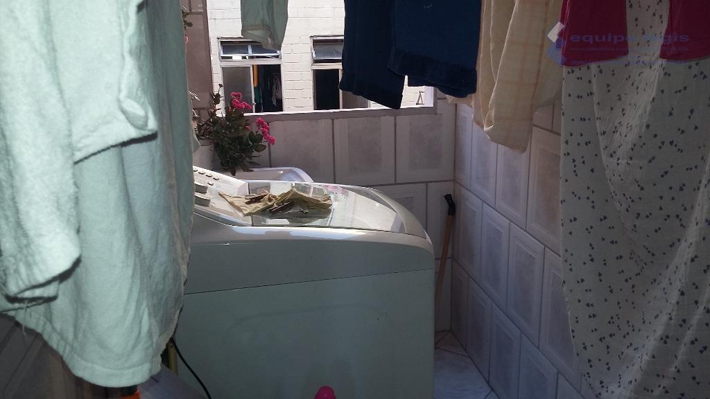 apartamento com 2 dormitórios, sala, cozinha, banheiro, área de serviço 1 vaga coberta, fácil acesso ao...