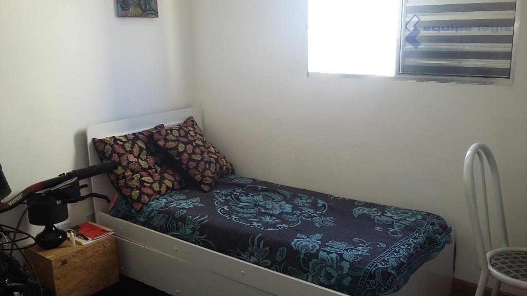 apartamento com 2 dormitórios,sala, cozinha com armários,banheiro,área de serviço 1 vaga,fácil acesso ao centro,metro,comércios em geral,aceita...