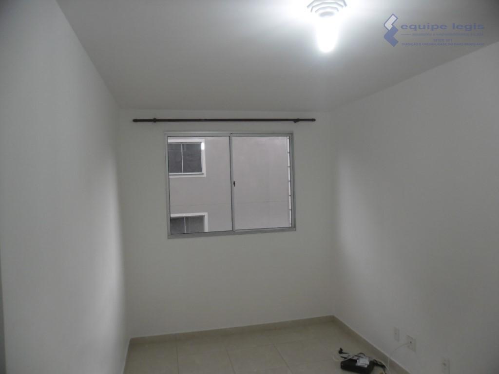 apartamento com 2 dormitórios,sala,cozinha,banheiro,área de serviço, 1 vaga,churrasqueira,salão de festa,playground,portaria 24 hs. pode ser financiado, estuda...