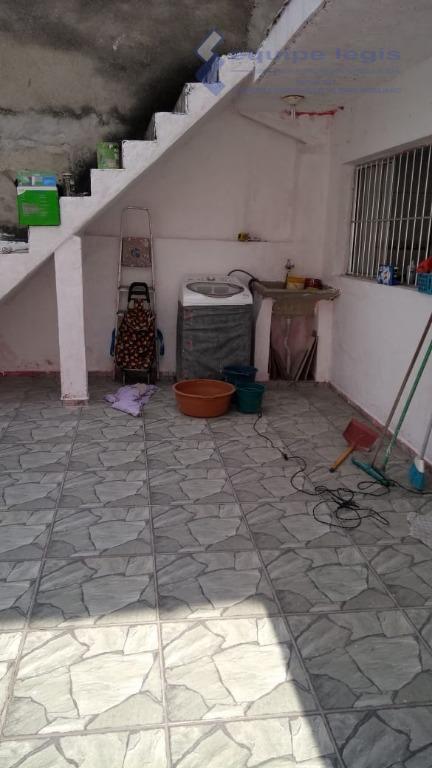 casa com 2 dormitório, sala, cozinha, 2 banheiro, área de serviço, 2 vagas metragem do terreno...