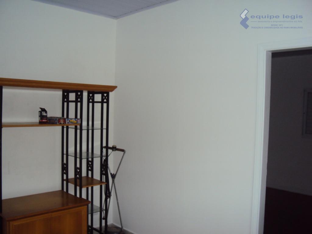 casa térrea com 2 dormitórios, sala, cozinha, banheiro,área de serviço, 2 vagas, metragem do terreno 6,00m...
